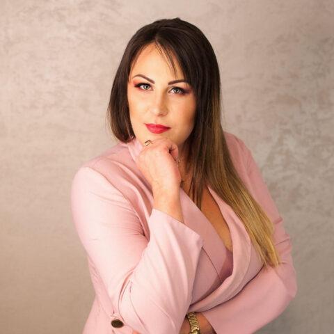 Alina Zvirble - LASH4EVER ACADEMY